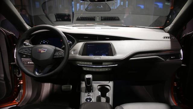 Cadillac XT4 2019 lộ diện hoàn toàn tại New York Auto Show 2018 - Ảnh 3.