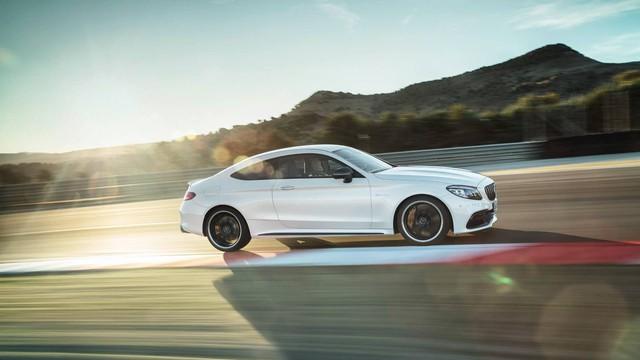 Vua doanh số Mercedes-Benz C-Class lộ thêm nội thất đời mới: Nhiều bất ngờ cho đại gia - Ảnh 3.