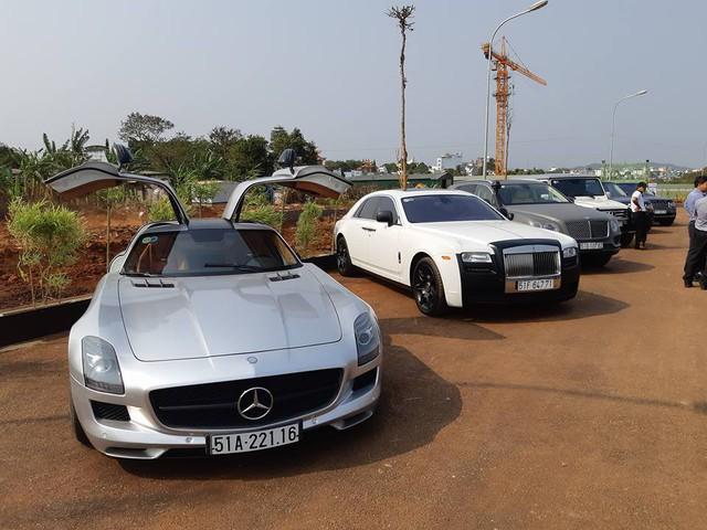 Ông trùm cafe Trung Nguyên trưng bày dàn siêu xe, xe siêu sang tại Buôn Ma Thuột - Ảnh 1.