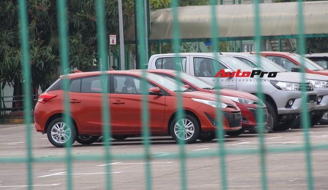 Có gì tại sân xe nhập trong đại bản doanh của Honda, Toyota Vĩnh Phúc? - Ảnh 7.