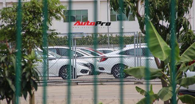 Có gì tại sân xe nhập trong đại bản doanh của Honda, Toyota Vĩnh Phúc? - Ảnh 5.