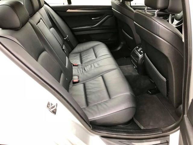 Sedan hạng sang BMW 523i 2012 rao bán lại giá chưa đến 1 tỷ đồng - Ảnh 9.