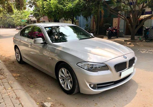Sedan hạng sang BMW 523i 2012 rao bán lại giá chưa đến 1 tỷ đồng - Ảnh 1.