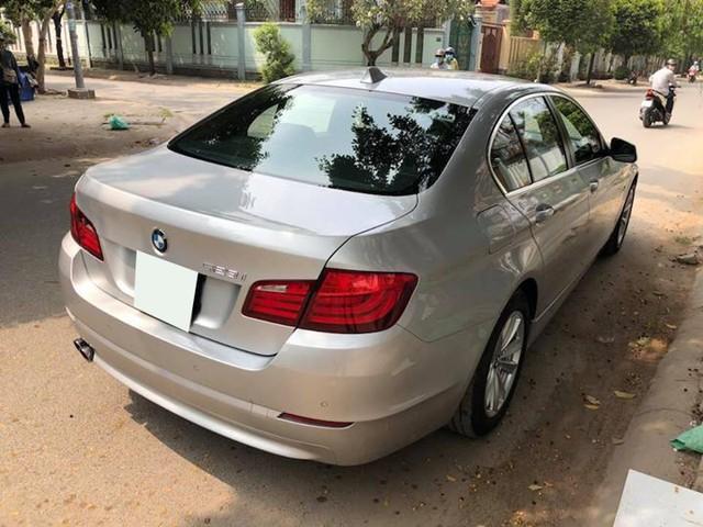 Sedan hạng sang BMW 523i 2012 rao bán lại giá chưa đến 1 tỷ đồng - Ảnh 3.