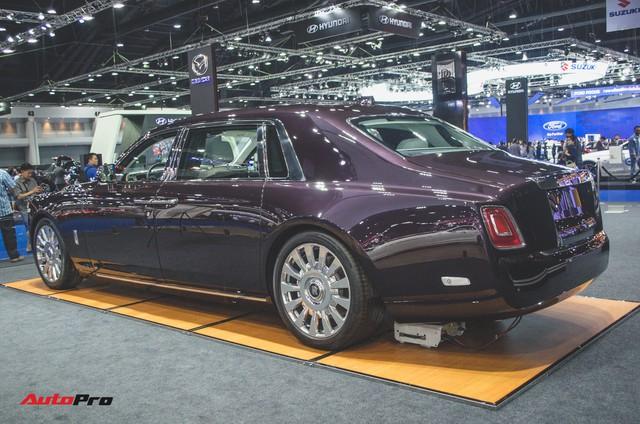 Xem trước Rolls-Royce Phantom 2018 chuẩn bị về Việt Nam - Ảnh 5.