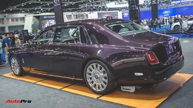 Xem trước Rolls-Royce Phantom 2018 chuẩn bị về Việt Nam - Ảnh 1.