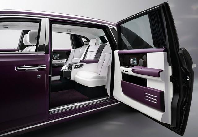 Xem trước Rolls-Royce Phantom 2018 chuẩn bị về Việt Nam - Ảnh 10.