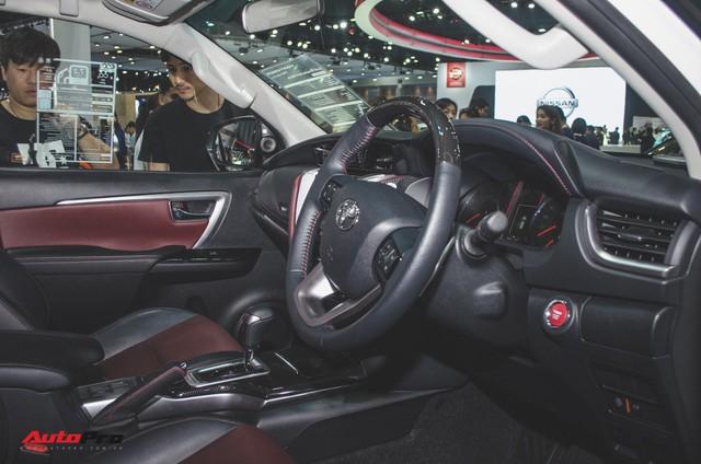Chi tiết Toyota Fortuner TRD Sportivo 2018 vừa ra mắt - Ảnh 7.