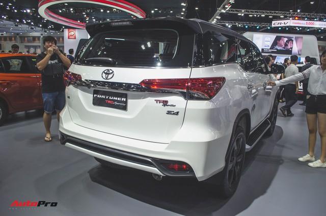 Chi tiết Toyota Fortuner TRD Sportivo 2018 vừa ra mắt - Ảnh 1.