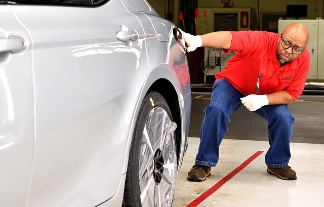 Toyota triệu hồi Camry vì lỗi không tưởng - Ảnh 1.