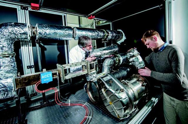 Công nghệ không khí thải mở hy vọng với động cơ diesel bên bề vực sụp đổ - Ảnh 1.