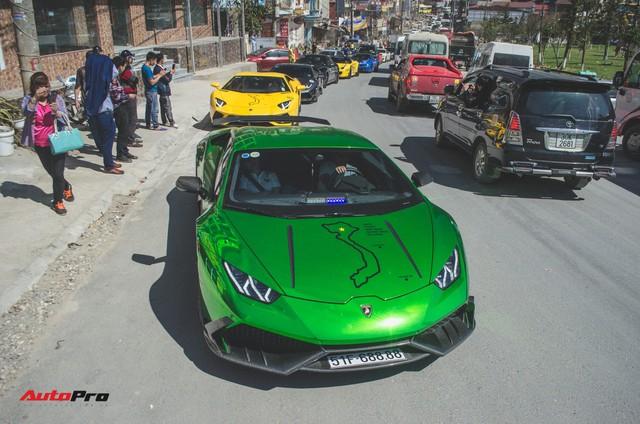 Xem siêu xe vượt ổ gà, băng đường trưởng trong ngày đầu của Car & Passion 2018 - Ảnh 2.