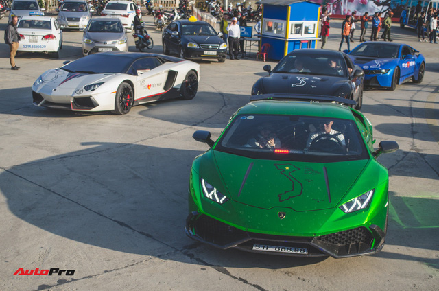 Xem siêu xe vượt ổ gà, băng đường trưởng trong ngày đầu của Car & Passion 2018 - Ảnh 20.