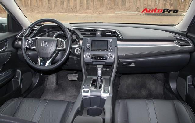 Giảm 140 triệu đồng, Honda Civic phiên bản mới tham vọng cạnh tranh Mazda3 - Ảnh 2.