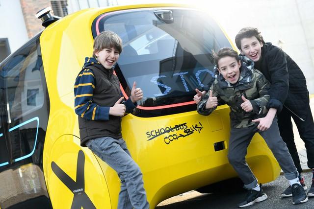 Học sinh sẽ được đi học trên xe bus tự lái ngầu như thế này đây - Ảnh 6.