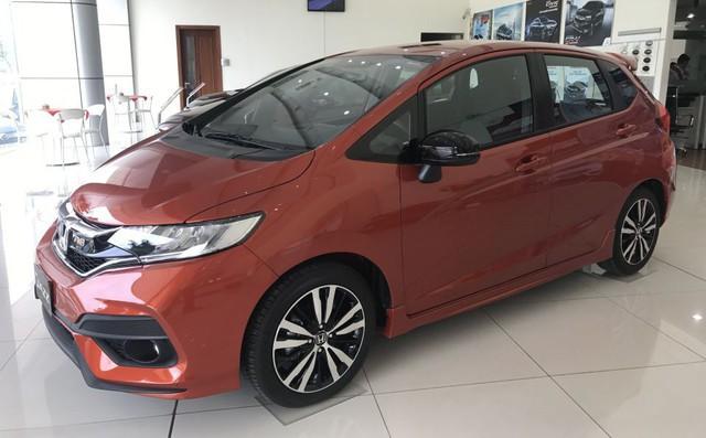 Cùng nhập khẩu và ngang giá, chọn Honda Jazz hay Toyota Yaris? - Ảnh 1.