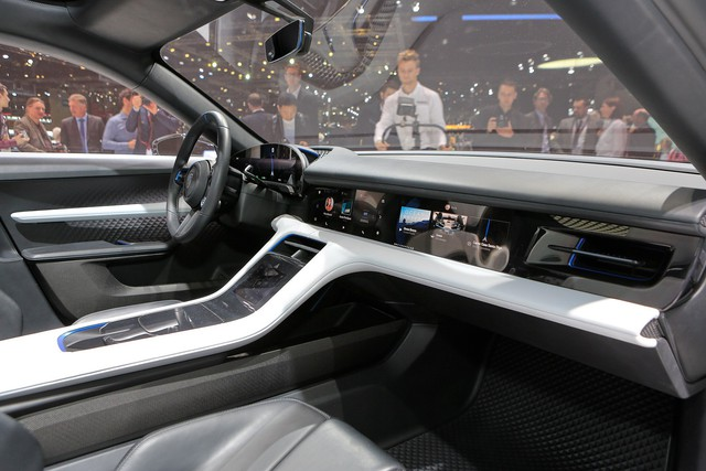 Porsche Mission E Cross Turismo: Hòa trộn hiệu suất và tiện dụng - Ảnh 4.