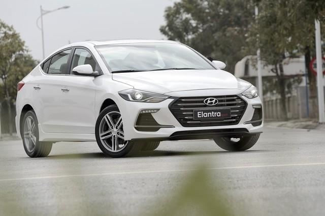 Những mẫu xe cùng tầm giá 758 triệu như Honda Civic 1.8E tại Việt Nam - Ảnh 8.