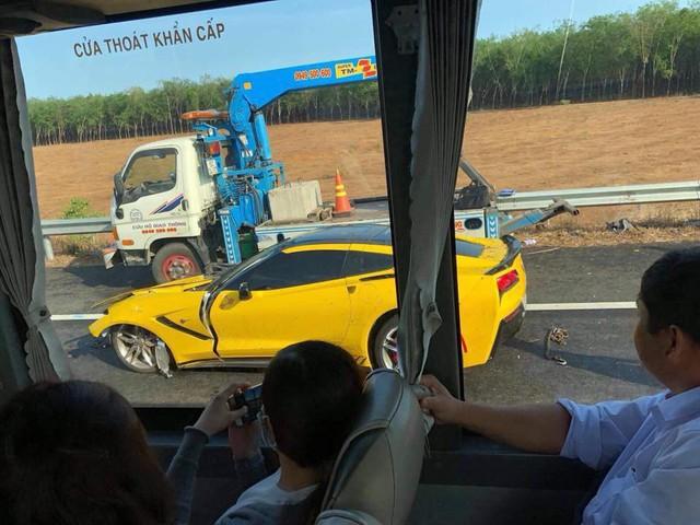 Sau tai nạn kinh hoàng, chủ xe Chevrolet Corvette chụp hình đăng Facebook: Chúc mọi người mua được siêu xe để đi an toàn - Ảnh 4.