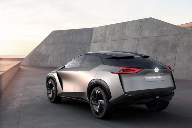 Nissan nhá hàng một mẫu crossover hoàn toàn mới - Ảnh 1.