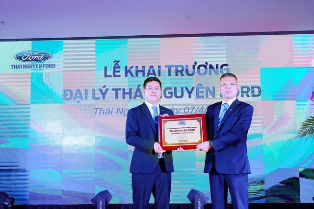 Kích cầu giữa bối cảnh thị trường ảm đạm, Ford mạnh tay đầu tư thêm 2 đại lý tại Việt Nam - Ảnh 5.