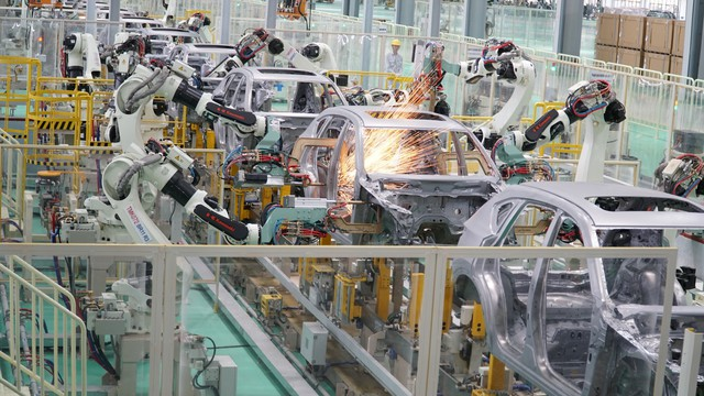 9 tiếng lắp ráp Mazda CX-5 theo cách Việt Nam - Ảnh 2.