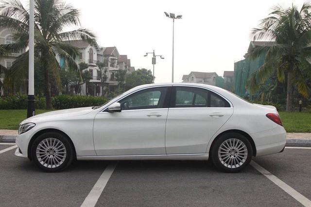 Mercedes-Benz C250 Exclusive 2015 độ trần sao kiểu Rolls-Royce được bán lại giá hơn 1,2 tỷ đồng - Ảnh 4.