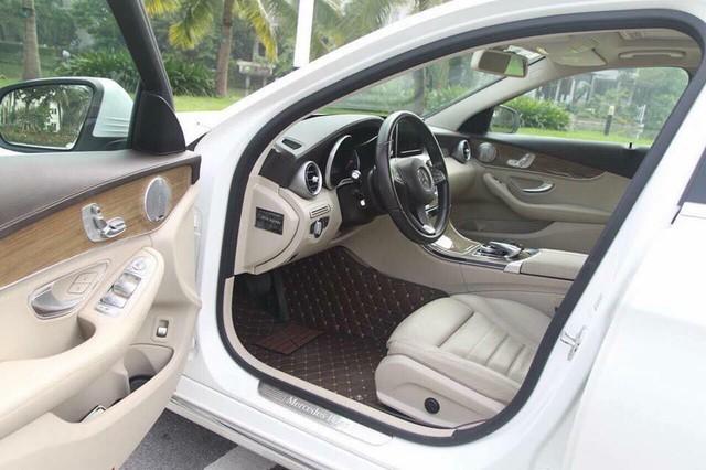 Mercedes-Benz C250 Exclusive 2015 độ trần sao kiểu Rolls-Royce được bán lại giá hơn 1,2 tỷ đồng - Ảnh 5.