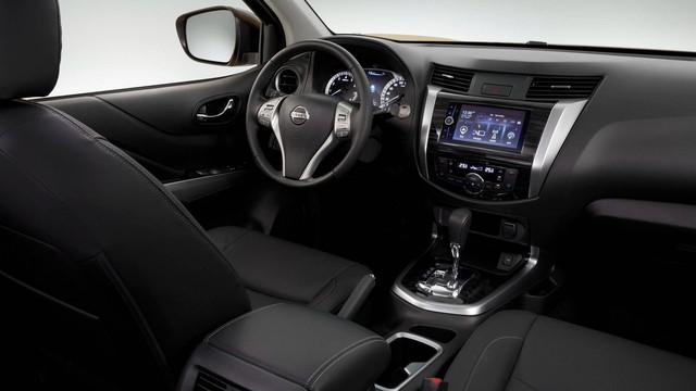 Nissan Terra - SUV 5 chỗ tham vọng cạnh tranh Toyota Fortuner - Ảnh 9.