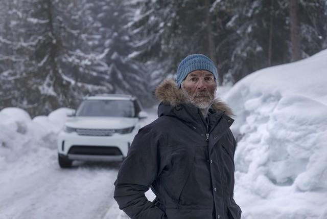 Người đàn ông bước 20.894 trên tuyết để vẽ hình Land Rover - Ảnh 3.