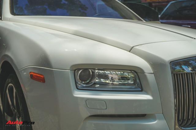 """Ông trùm cafe Trung Nguyên bán Rolls-Royce Wraith """"mất tai"""" ra showroom - Ảnh 4."""