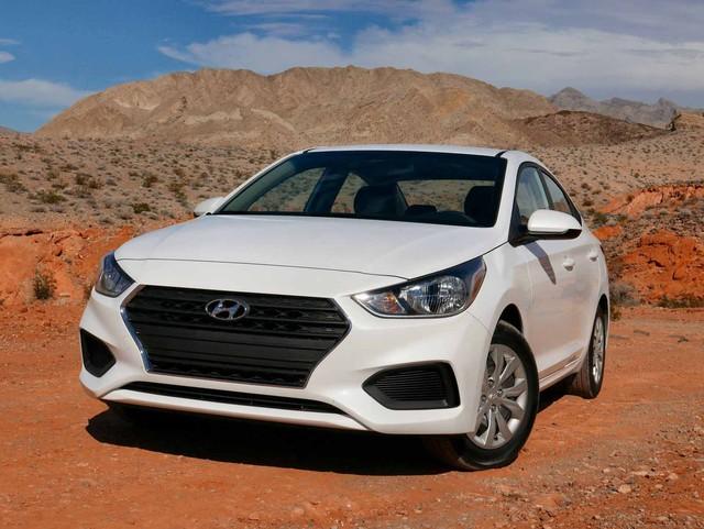 Chọn xe nào giữa 4 phiên bản Hyundai Accent 2018? - Ảnh 1.