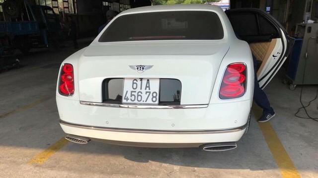 """Bentley Mulsanne hơn 35 tỷ đồng mang biển số """"khủng"""" của đại gia Bình Dương"""