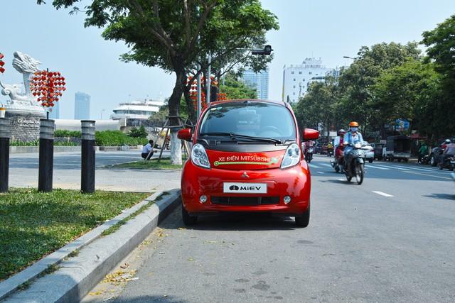 Xe điện bắt đầu lăn bánh thử nghiệm tại Việt Nam - Ảnh 8.