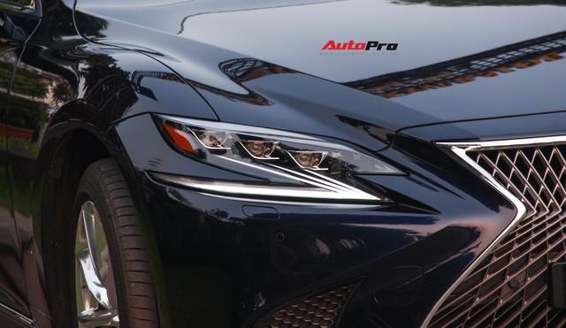 Sedan hạng sang Lexus LS500h 2018 hơn 8,3 tỷ đồng trên phố Hà Nội - Ảnh 11.