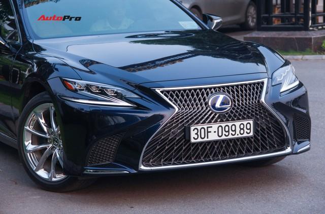 Sedan hạng sang Lexus LS500h 2018 hơn 8,3 tỷ đồng trên phố Hà Nội - Ảnh 10.