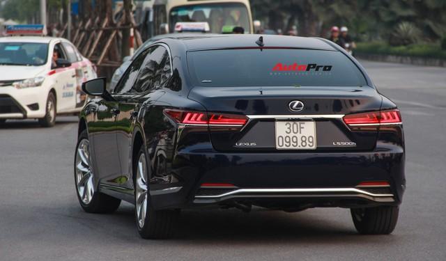 Sedan hạng sang Lexus LS500h 2018 hơn 8,3 tỷ đồng trên phố Hà Nội - Ảnh 4.