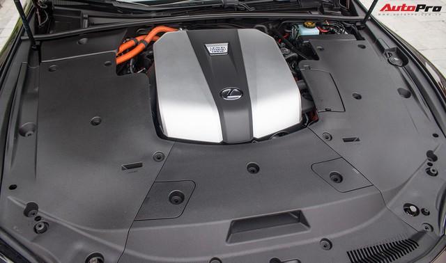 Sedan hạng sang Lexus LS500h 2018 hơn 8,3 tỷ đồng trên phố Hà Nội - Ảnh 9.