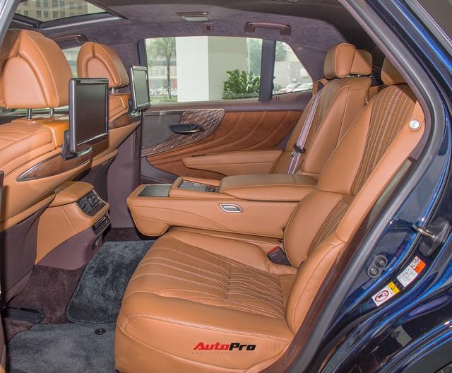 Sedan hạng sang Lexus LS500h 2018 hơn 8,3 tỷ đồng trên phố Hà Nội - Ảnh 8.