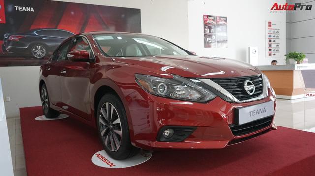 Cạnh tranh Toyota Camry, Nissan Teana nhập khẩu giảm giá gần 300 triệu đồng chỉ sau 3 tháng
