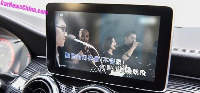 Đây là SUV dành cho người không đủ tiền mua Mercedes và thích hát karaoke trên xe - Ảnh 2.