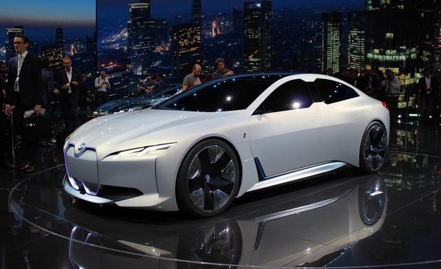 Đây chính là lưới tản nhiệt mới của BMW: Không phải quả thận mà là... cặp kính  - Ảnh 3.