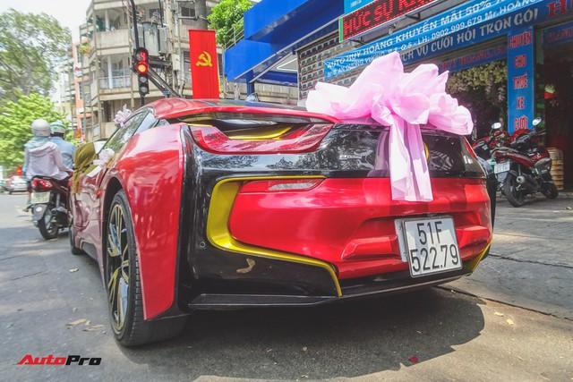 Xe hoa BMW i8 dán decal phong cách Iron Man tại Sài Gòn - Ảnh 10.