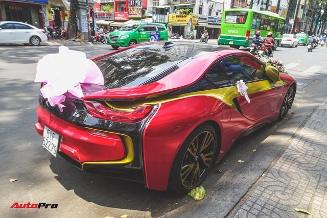 Xe hoa BMW i8 dán decal phong cách Iron Man tại Sài Gòn - Ảnh 4.