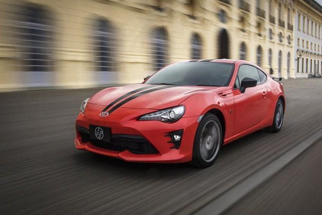 8 lựa chọn cho người đủ tiền mua Toyota Camry nhưng chỉ thích xe thể thao - Ảnh 1.