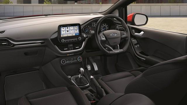 Ford Fiesta Sport Van: Thể thao kết hợp thực tiễn - Ảnh 5.