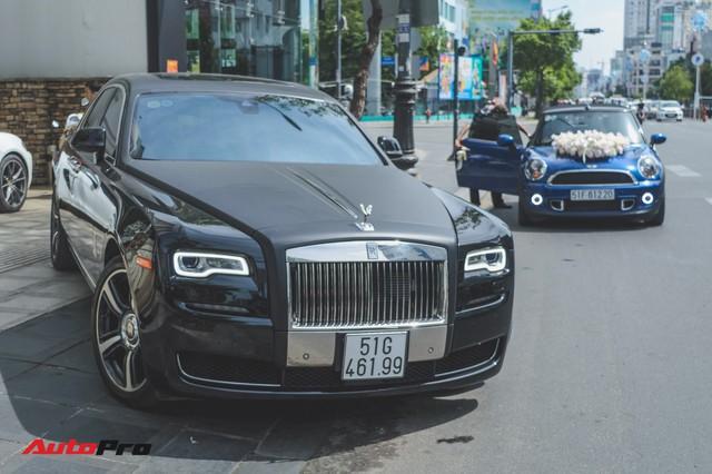 Đám cưới lạ lùng tại Sài Gòn: MINI Cooper rước dâu, Rolls-Royce Ghost và Porsche Boxster chỉ làm nền - Ảnh 3.