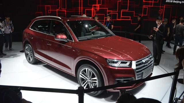 Audi Q5 L ra mắt: SUV sang cho ông chủ ngồi hàng sau - Ảnh 1.