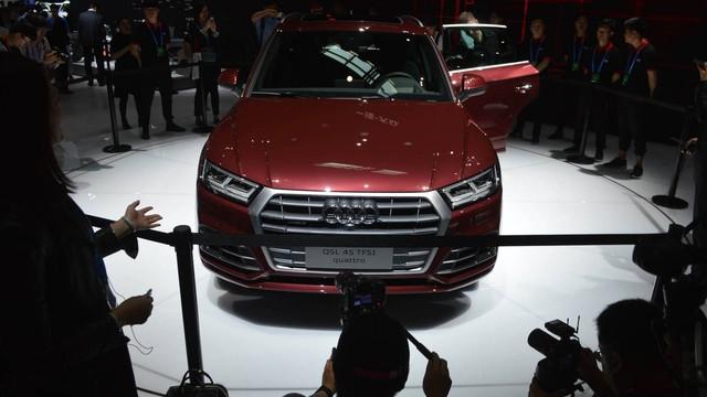 Audi Q5 L ra mắt: SUV sang cho ông chủ ngồi hàng sau - Ảnh 2.