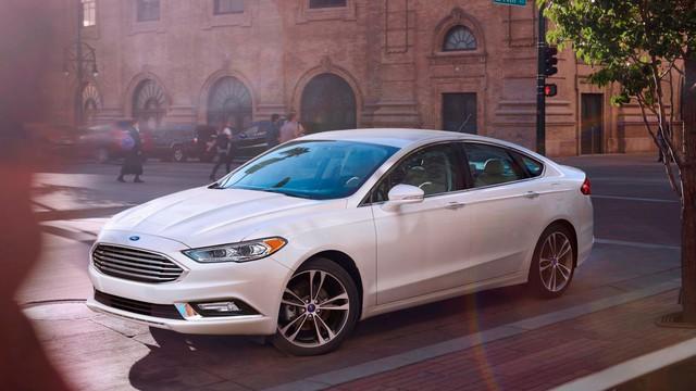 Ford tính bỏ Fiesta, Focus và Fusion Bắc Mỹ - Ảnh 1.